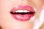 Get beautiful lips - naturally or otherwise :)