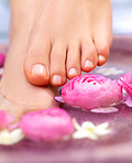 Natural decor for a pampering pedicure