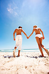 Sun-loving couples need great sun protection - Skincare