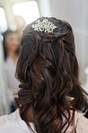 Add elegance to your wedding day with a beautiful hairpiece