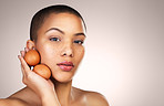 Eggs can provide hydration and elasticity to the skin